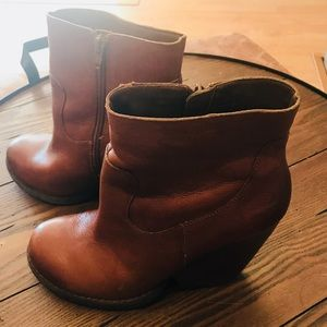 Kork Ease leather tan booties, SZ 8, pre-owned.